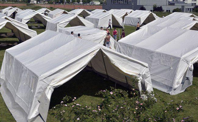 In Traiskirchen wurden bereits Zelte aufgestellt.