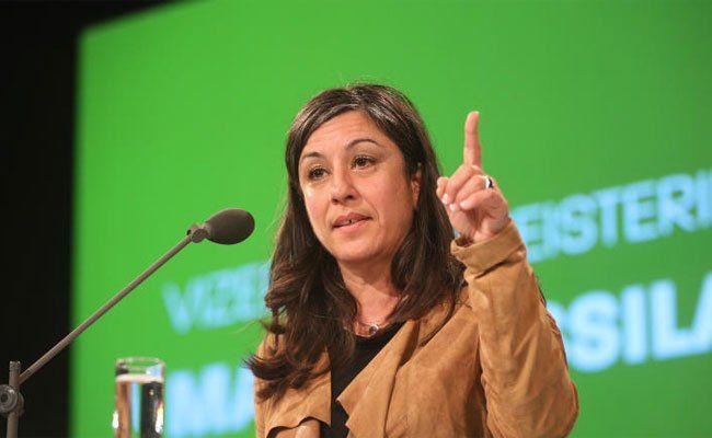 Vizebürgermeisterin Maria Vassilakou hebt mahnend den Zeigefinder Richtung SPÖ.