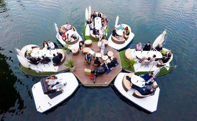 Schwimmende Konzerte sind das Highlight auf der Alten Donau in Wien.