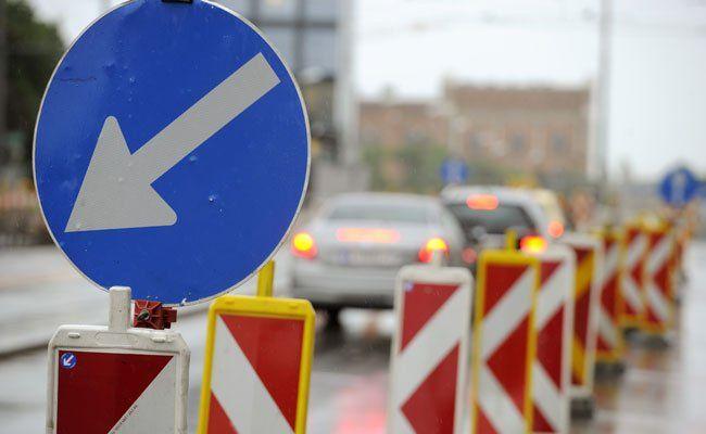 Am Sonntag starten die Sanierungsarbeiten auf der A2.