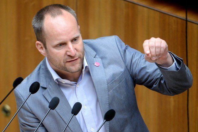 Parteifinanzen - NEOS gegen öffentliche Aufträge an parteinahe Firmen