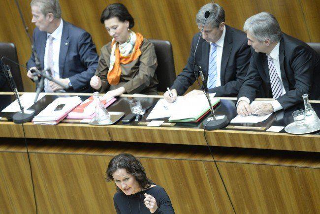 Frauen in der Politik - Leichte Verschiebungen durch Wahlen 2015