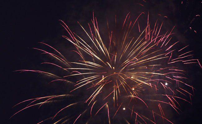 Die Besucher des Lichterfests erwartet ein buntes Feuerwerk an der Alten Donau.
