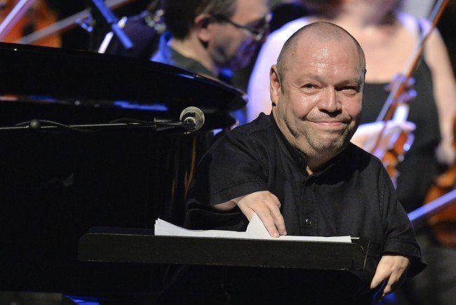 """Bass-Bariton Thomas Quasthoff am Montag, 6. Juli 2015, während dem Konzert """"Sinatra Tribute"""" anl. des Jezzfestes Wien in der Wiener Staatsoper."""