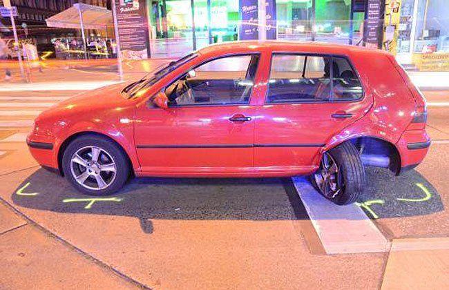 Eines der Fahrzeuge nach dem Unfall am Gürtel