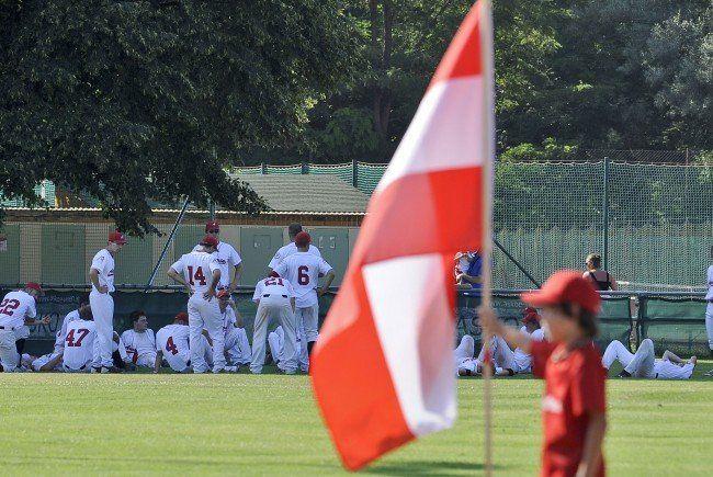 Österreichische Teamspieler am Feld.