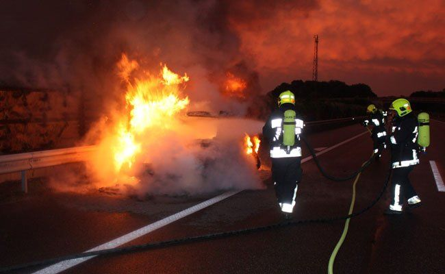 Drei Feuerwehren waren an den Löscharbeiten beteiligt.