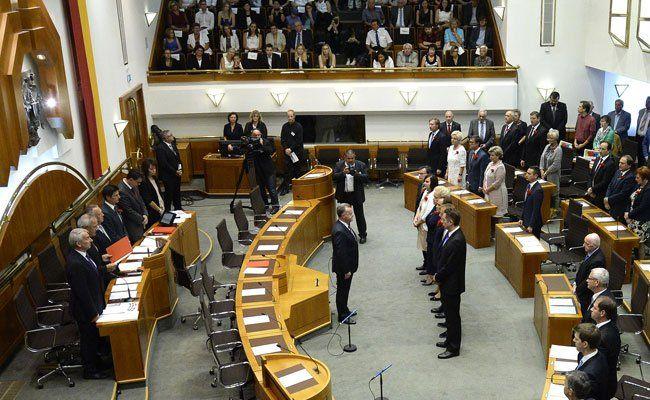 Im Burgenland gibt es jetzt eine Rot-Blaue Landesregierung.