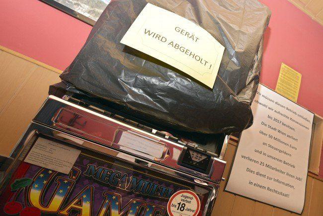 Auch ein illegaler Glücksspielautomat wurde entdeckt.