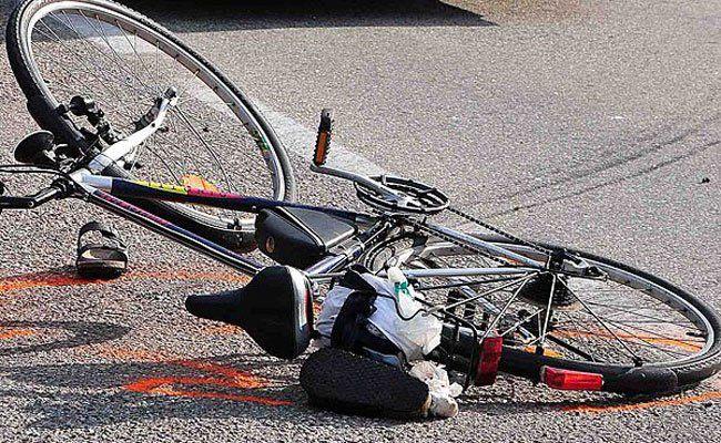 Die 57-jährige Radfahrerin wurde bei dem Unfall schwer verletzt.