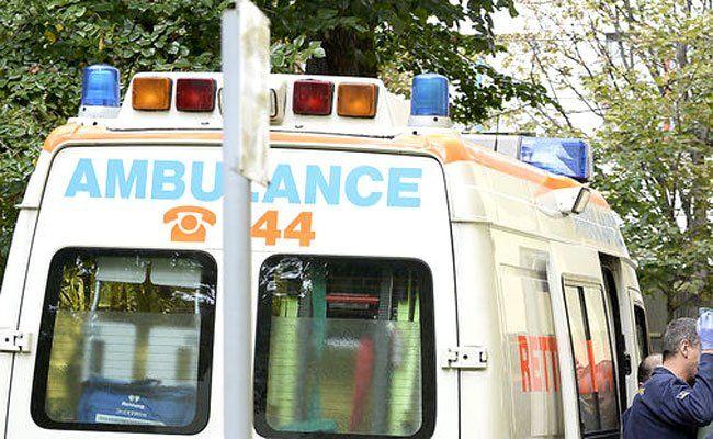 Der verletzte Motorradfahrer wurde von der Rettung abtransportiert.
