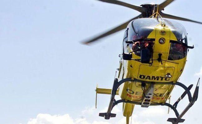 Vier Verletzte nach schwerem Unfall.