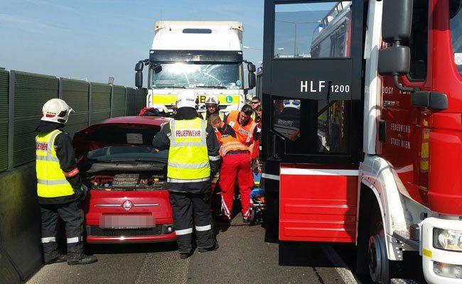 Die A 23 musste nach dem Unfall gesperrt werden.