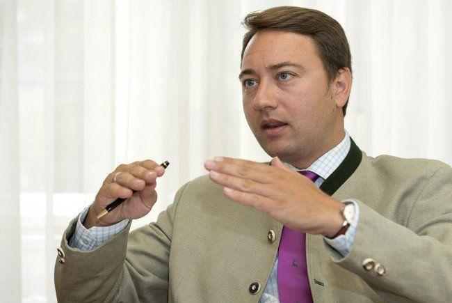 FPÖ-Spitzenkandidat Manfred Haimbucher hat große Ziele für die OÖ-Wahl 2015.