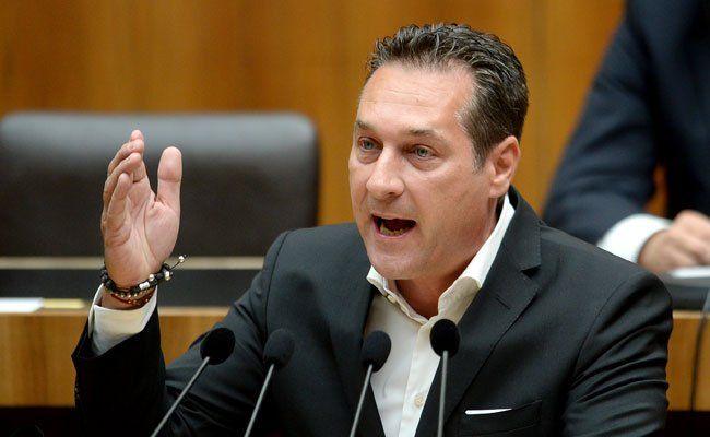 Strache will Schlepperei durch Grenzzäune eindämmen.