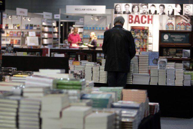 Vier Österreicher dürfen auf den Deutschen Buchpreis 2015 hoffen.