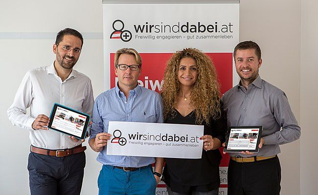 v.l.n.r. Stefan Ornig (dm), Integrationsbotschafter Serge Falck und Eser Ari-Akbaba, ÖIF-Geschäftsführer Franz Wolf