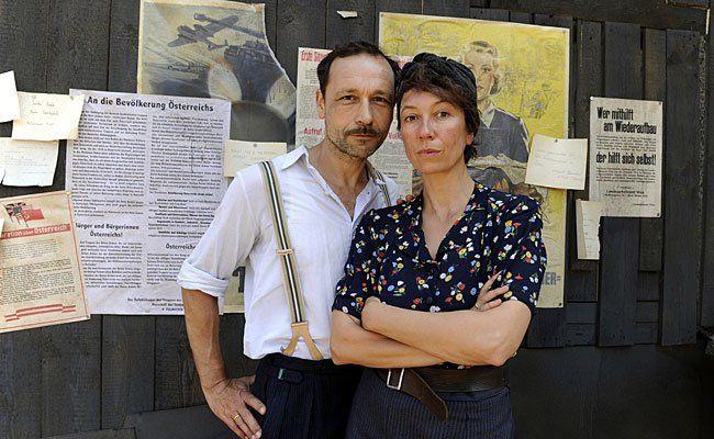 """Ursula Strauss und Gerald Votava bei den Dreharbeiten zu """"Maikäfer flieg!"""" in Wien"""