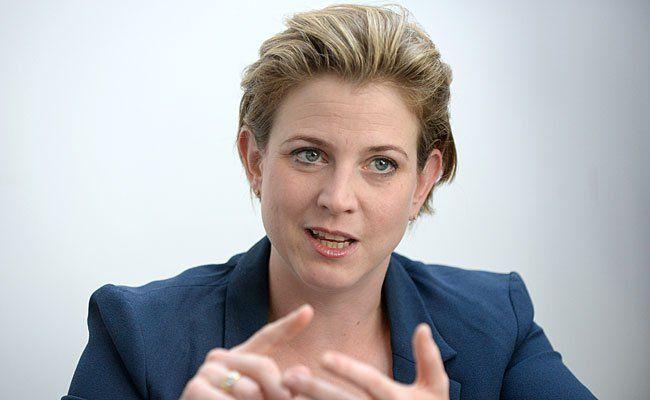 Beate Meinl-Reisinger, NEOS-Spitzenkandidatin für die bevorstehende Wien-Wahl, beim Interview