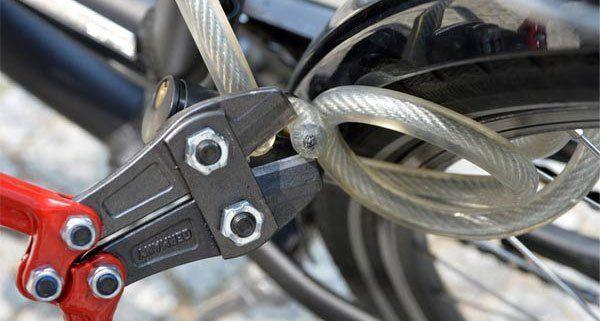 Der Dieb wurde beim versuch das Fahrrad zu stehlen gestört.