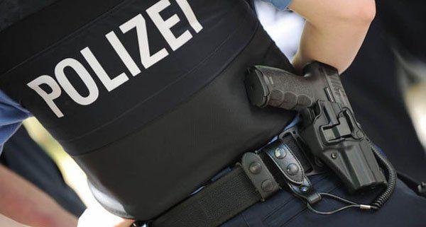 Die Polizei nahm den aggressiven Zechpreller vorläufig fest.