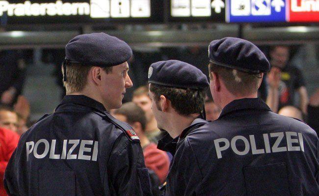 Mehrere Festnahmen am Praterstern.