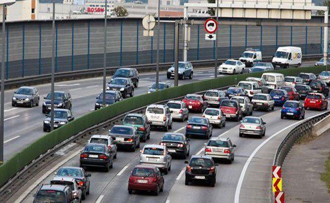 Auf der A1 und der A9 kam es durch die LKW-Unfälle zu Staus.