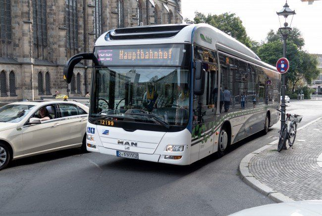 how to get from vienna to salzburg by bus