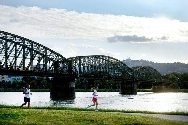 Bei der Landtagswahl wurde auch über eine neue Eisenbahnbrücke abgestimmt.