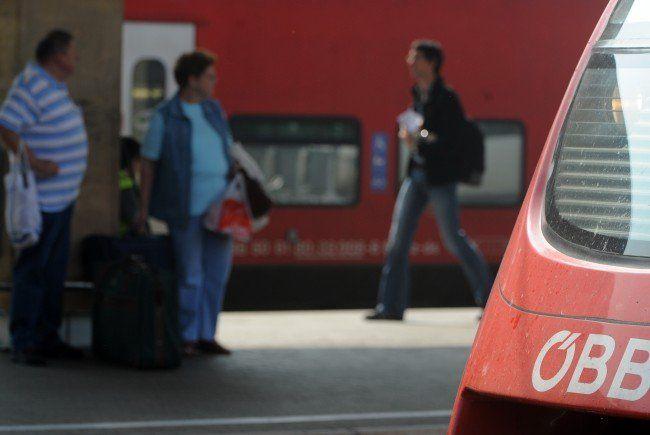 Der Zugverkehr zwischen Österreich und UNgarn wurde wieder aufgenommen.