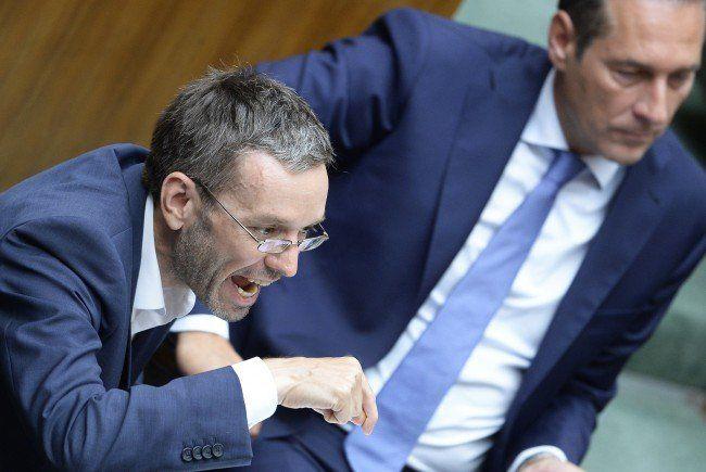 FPÖ und Stronach wollen Flüchtlingsstopp