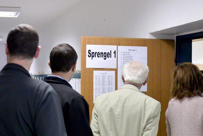 Die ersten Hochrechnungen zur Landtagswahl in Oberösterreich 2015.