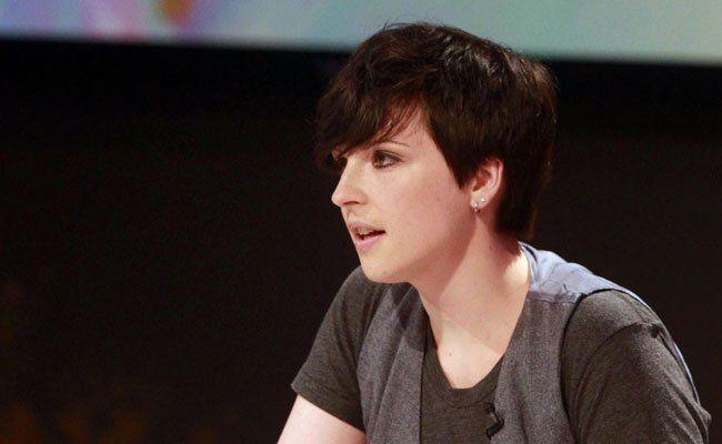 Die Schweizer Autorin Dorothee Elmiger erhält den Erich Fried Preis 2015.