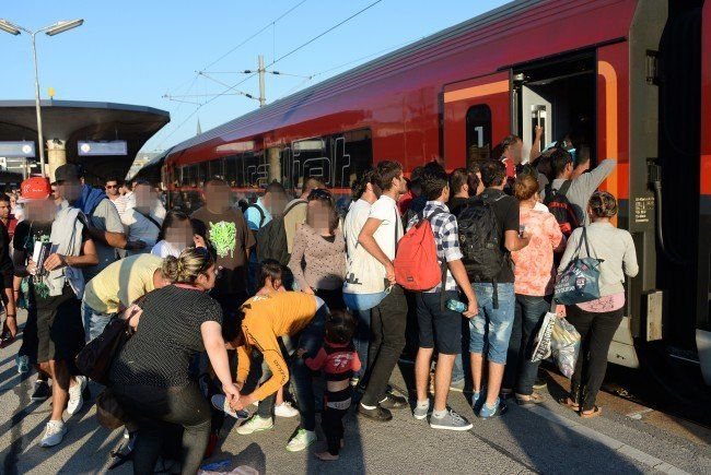 Flüchtlinge am Wiener Westbahnhof.