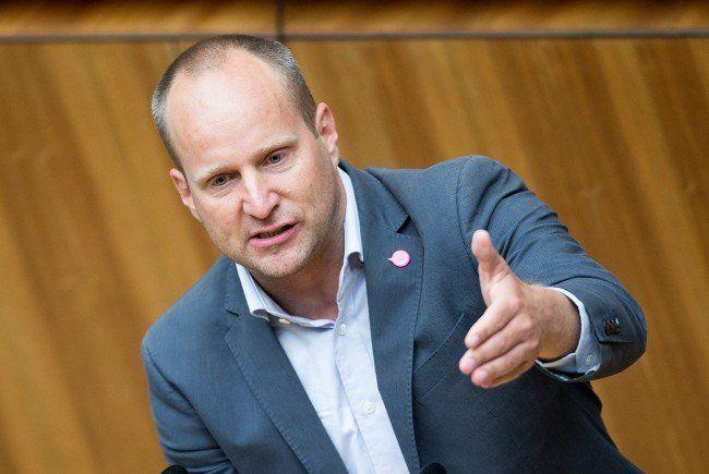 Matthias Strolz schießt scharf gegen die SPÖ.