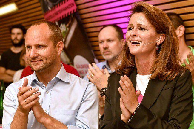 NEOS-Chef Matthias Strolz und die Spitzenkandidatin der NEOS OÖ für die oberösterreichische Landtagswahl Judith Raab.