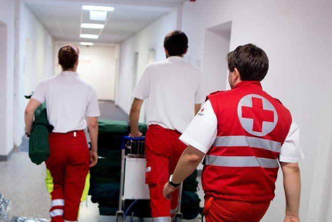 Das Unfallopfer musste ins Krankenhaus gebracht werden.