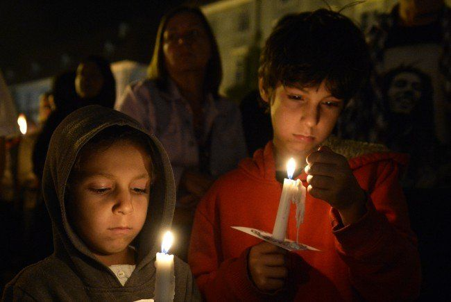 Flüchtlinge - Rund 700 Menschen bei Solidaritäts-Lichtermarsch Graz