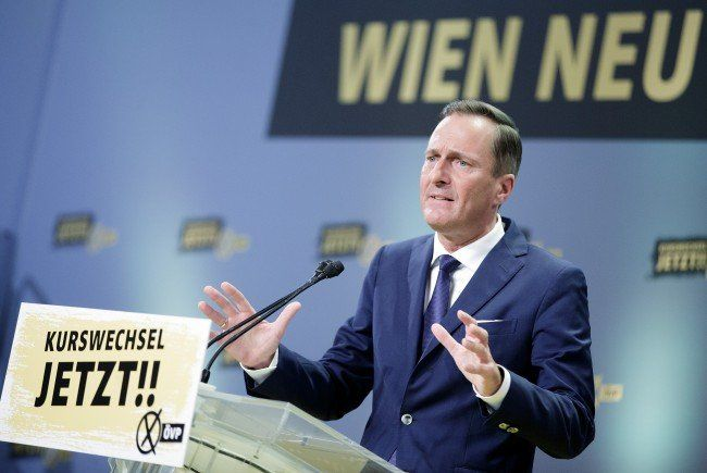 """Die Wiener ÖVP protestierte am Ring gegen """"Schikanen"""" gegen Autofahrer."""
