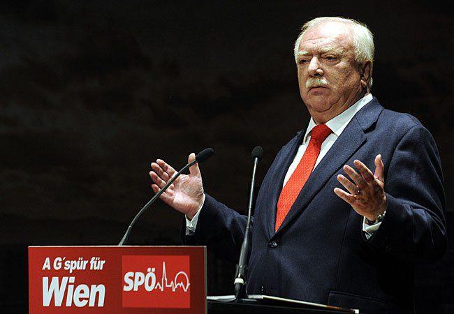 """Bürgermeister Michael Häupl (SPÖ) präsentiert Wahlplakate Wahlplakate """"Häupls G'spür und unsere Kraft für Wien"""""""