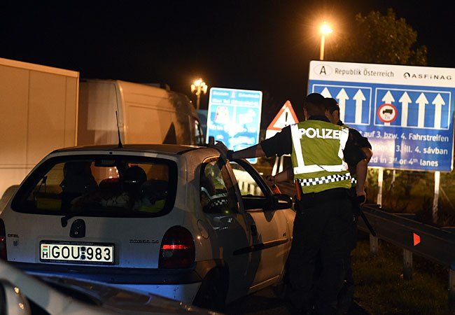 Schwerpunktkontrolle an der Grenze Österreich/Ungarn auf der Autobahn A4 einen Klein-LKW