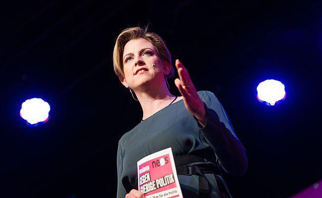 Beate Meinl-Reisinger bleibt noch im Nationalrat