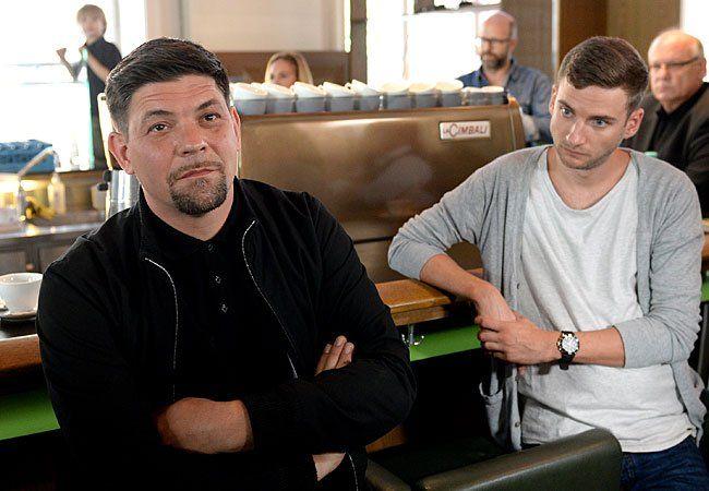 Tim Mälzer (l.) und Küchenchef Aaron Waltl bei der Lokal-Präsentation im MAK