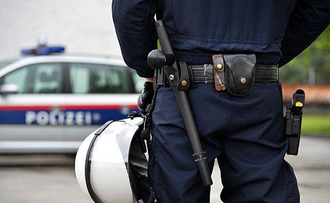 Die Polizei fahndet nach einem Räuber-Duo nach einem Coup in Wien 15