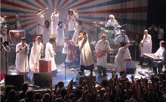 Nicht einfach Lieder, sondern Stücke: The Polyphonic Spree bei einem Live-Konzert