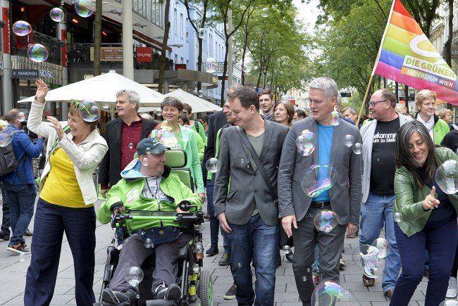 Ausgelassene Stimmung bei der Wahlkampferöffnung der Grünen auf der Mahü.