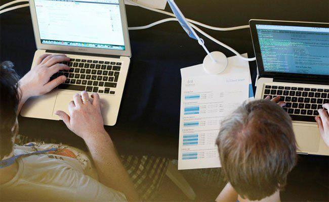 Programmierer helfen Flüchtlinge mit einer neuen Idee.