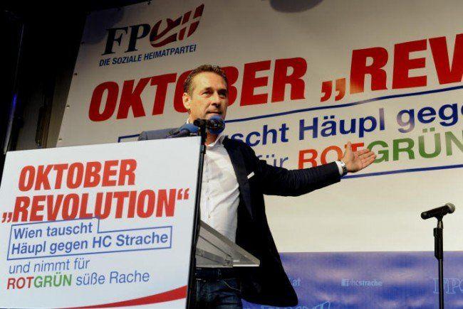 Strache beim Wahlkampfauftakt der Blauen.