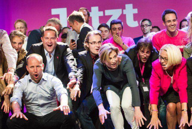 Die NEOS machen die Welle - und starten in den Wahlkampf für Wien.