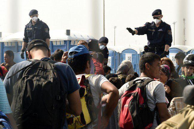 Seit Mitternacht gibt es wieder Grenzkontrollen in Österreich.